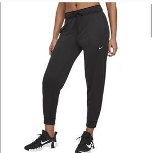 New Nike Women's Attack 7/8 Pants